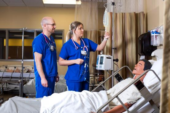 Bellin students with patient